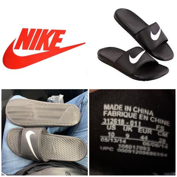 27ed6b7bcf8af Nike Slides Swoosh Benassi Black White Slip-ons. M 5be0f106c89e1d52791003d1